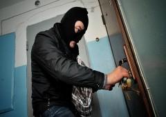В Тавде по «горячим следам» задержан подозреваемый в краже из торгового центра