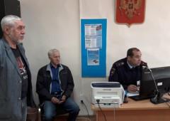 Тавдинские общественники побывали на экзаменах у начинающих водителей.